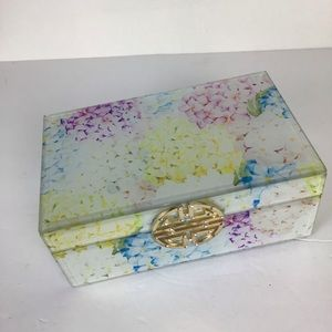 Jewelry box-floral print covered in beveled glass